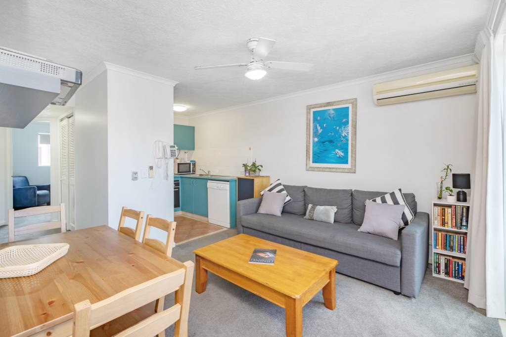 Surfers Beach Resort One - 2 Bedroom Apartment