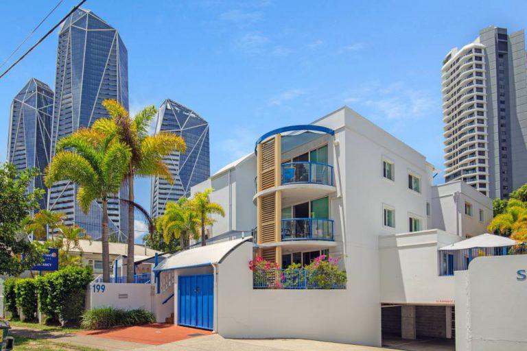 Surfers Beach Resort One - Exterior