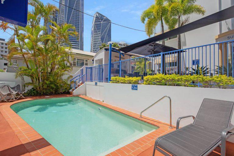 Surfers Beach Resort One - Swimming Pool